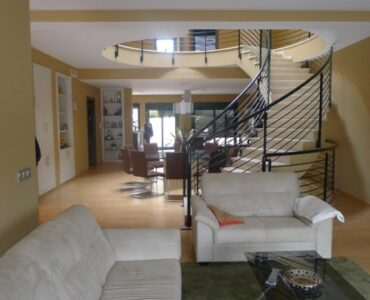 Resale Huis Te koop in Catral in Spanje, gelegen aan de Costa Blanca-Zuid