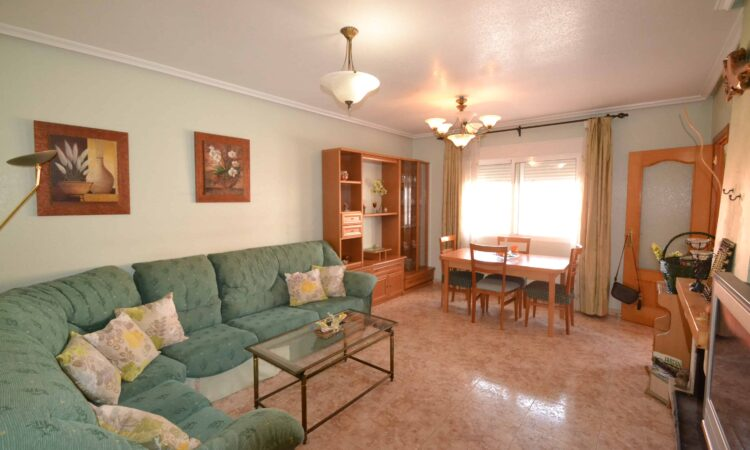 Resale Huis Te koop in Formentera Del Segura in Spanje, gelegen aan de Costa Blanca-Zuid