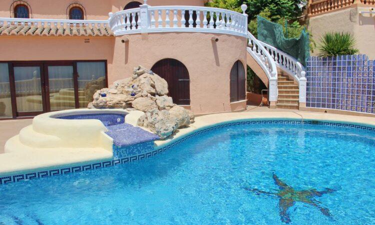 Resale Villa Te koop in Cumbre Del Sol in Spanje, gelegen aan de Costa Blanca-Noord