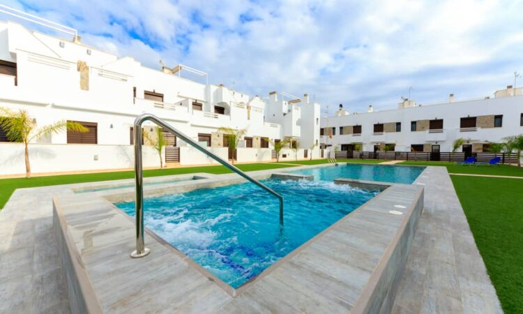 Nieuwbouw Huis Te koop in Torrevieja in Spanje, gelegen aan de Costa Blanca-Zuid
