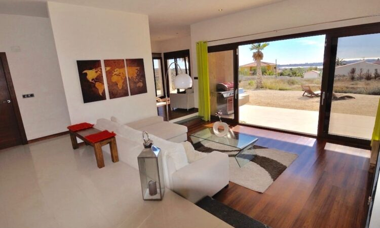 Resale Villa Te koop in Mutxamel in Spanje, gelegen aan de Costa Blanca-Noord