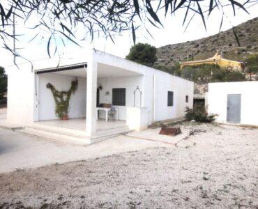 doorverkoop Villa Te koop in Hondon De Las Nieves in Spanje, gelegen aan de Costa Blanca-Zuid