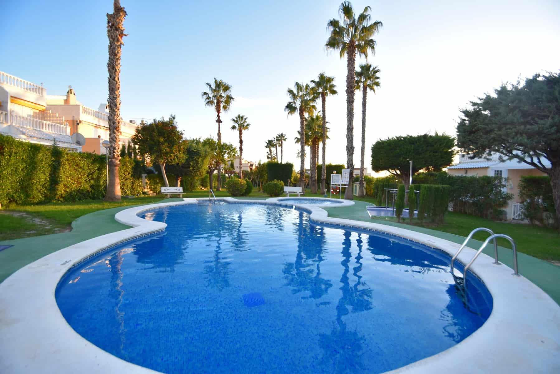 Resale Appartement Verkocht in Guardamar Del Segura in Spanje, gelegen aan de Costa Blanca-Zuid