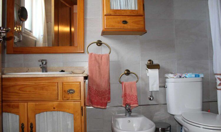 Resale Huis Te koop in Bigastro in Spanje, gelegen aan de Costa Blanca-Zuid