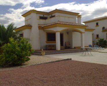Nieuwbouw Villa Te koop in Hondon De Las Nieves in Spanje, gelegen aan de Costa Blanca-Zuid
