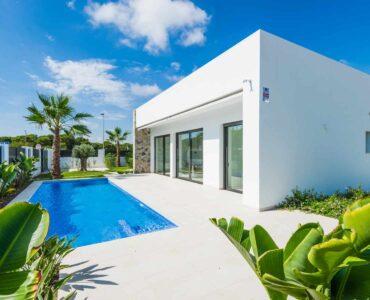 Nieuwbouw Villa Te koop in Pilar De La Horadada in Spanje, gelegen aan de Costa Blanca-Zuid