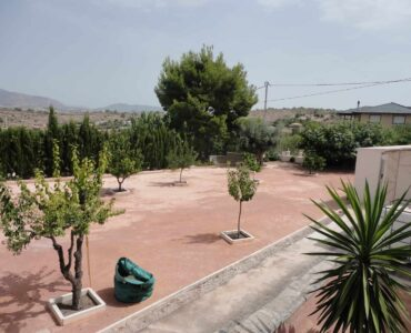 Resale Villa Te koop in Hondon De Las Nieves in Spanje, gelegen aan de Costa Blanca-Zuid