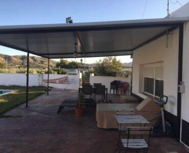 Resale Villa Te koop in Aspe in Spanje, gelegen aan de Costa Blanca-Zuid