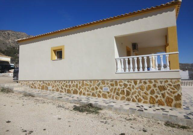 Resale Villa Te koop in La Romana in Spanje, gelegen aan de Costa Blanca-Zuid