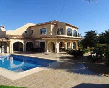 Resale Villa Te koop in Moraira in Spanje, gelegen aan de Costa Blanca-Noord