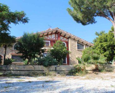 Resale Villa Te koop in Bigastro in Spanje, gelegen aan de Costa Blanca-Zuid