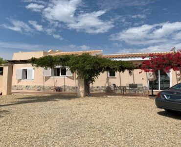Resale Villa Te koop in Vera Playa in Spanje, gelegen aan de Costa de Almería