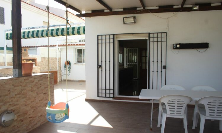 Resale Huis Te koop in Torre del Mar in Spanje, gelegen aan de Costa del Sol-Oost