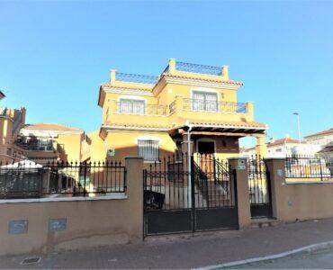 Resale Villa Te koop in Torrevieja in Spanje, gelegen aan de Costa Blanca-Zuid