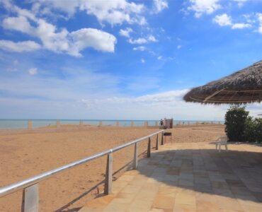 Resale Villa Te koop in Dénia in Spanje, gelegen aan de