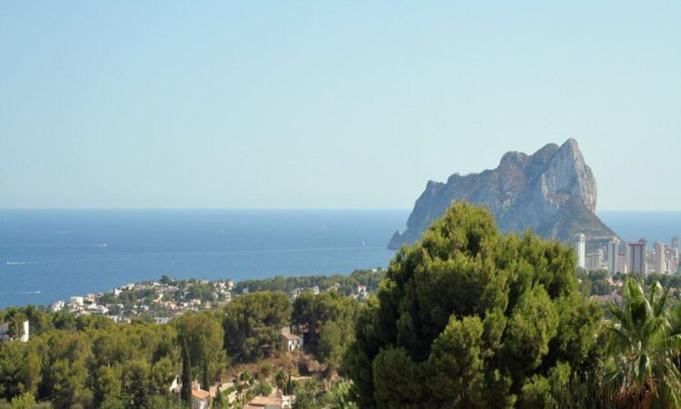 Resale Grondstuk Te koop in Benissa in Spanje, gelegen aan de
