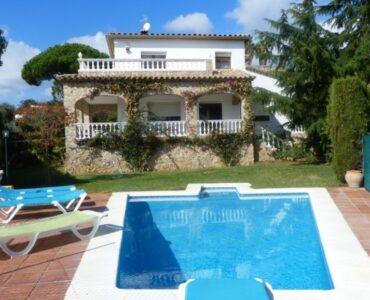 Resale Villa Te koop in Sant Antoni De Calonge in Spanje, gelegen aan de