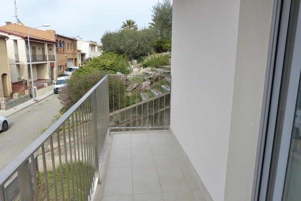 Nieuwbouw Huis Te koop in La Bisbal D Emporda in Spanje, gelegen aan de Costa Brava