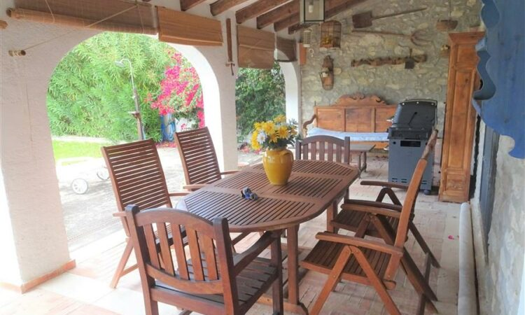 Resale Villa Te koop in Calpe in Spanje, gelegen aan de Costa Blanca-Noord