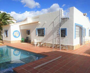 Doorverkoop Villa Te koop in Calpe in Spanje, gelegen aan de Costa Blanca-Noord
