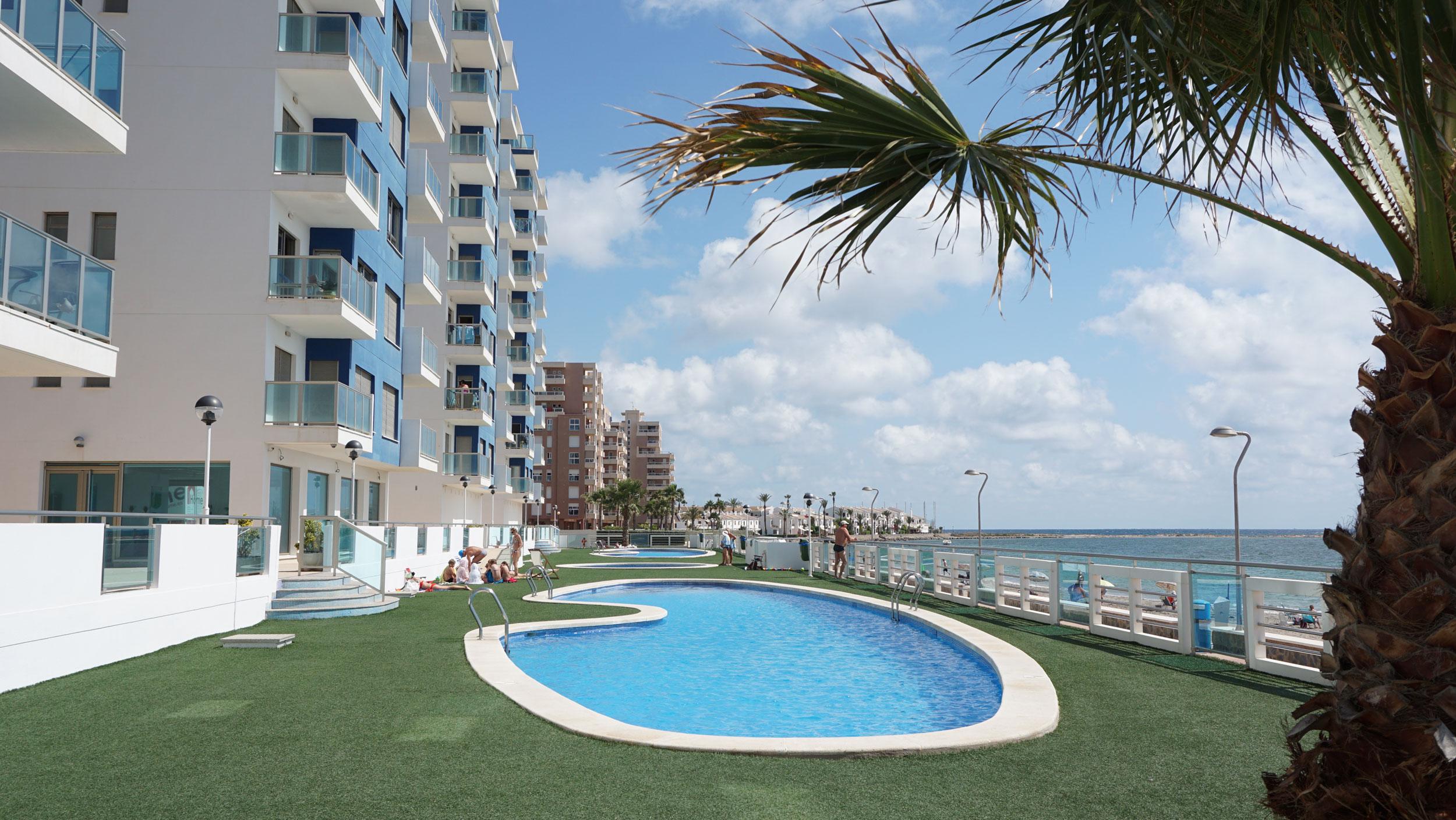 Nieuwbouw Appartement Te koop in La Manga Del Mar Menor in Spanje, gelegen aan de Costa Cálida