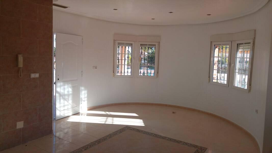 Nieuwbouw Villa Te koop in Catral in Spanje, gelegen aan de Costa Blanca-Zuid