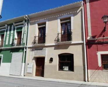 Resale Huis Te koop in Alicante in Spanje, gelegen aan de Costa Blanca-Zuid