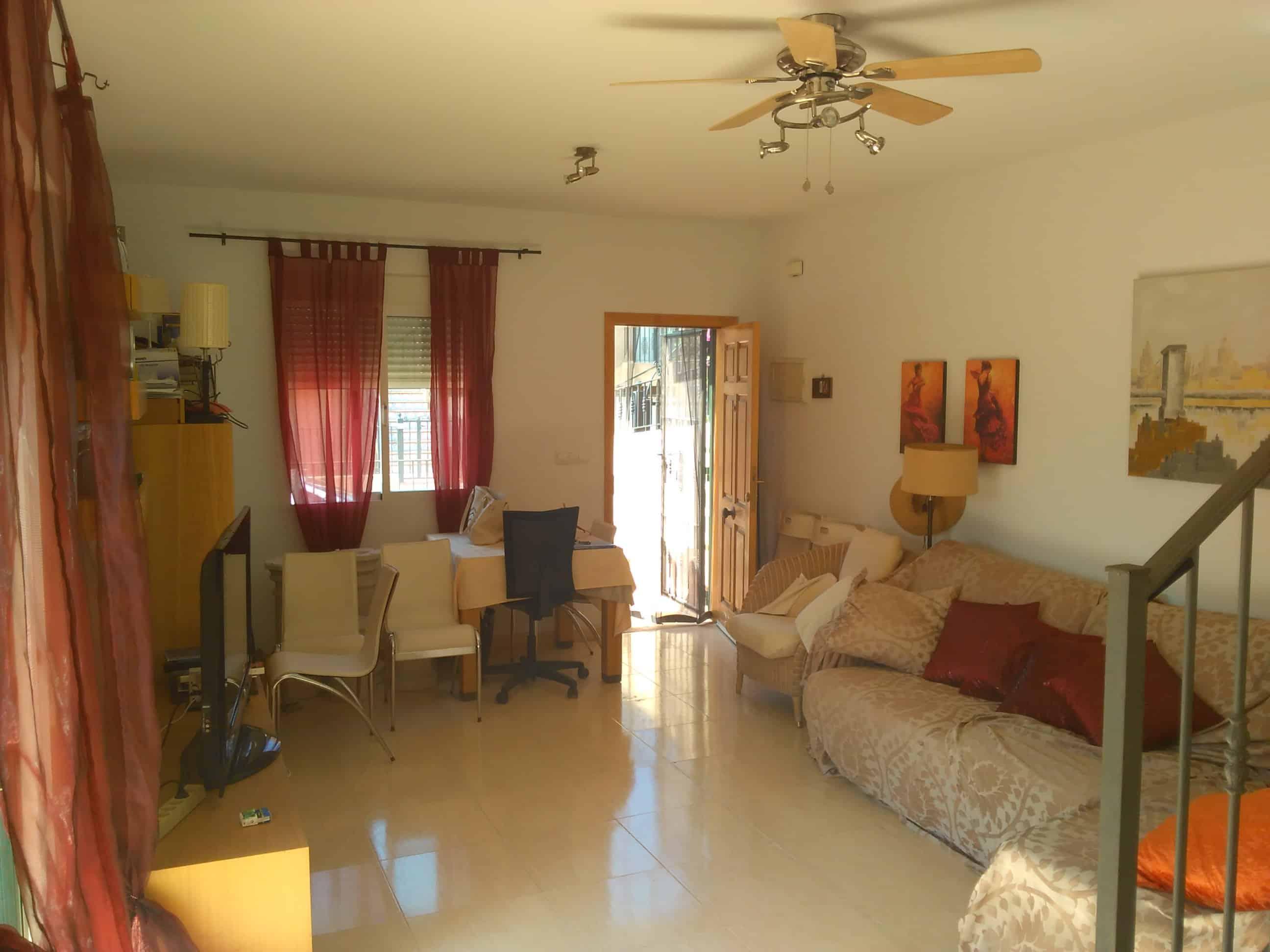 Resale Villa Te koop in Daya Nueva in Spanje, gelegen aan de Costa Blanca-Zuid