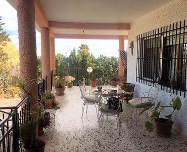 Resale Villa Te koop in Jacarilla in Spanje, gelegen aan de Costa Blanca-Zuid