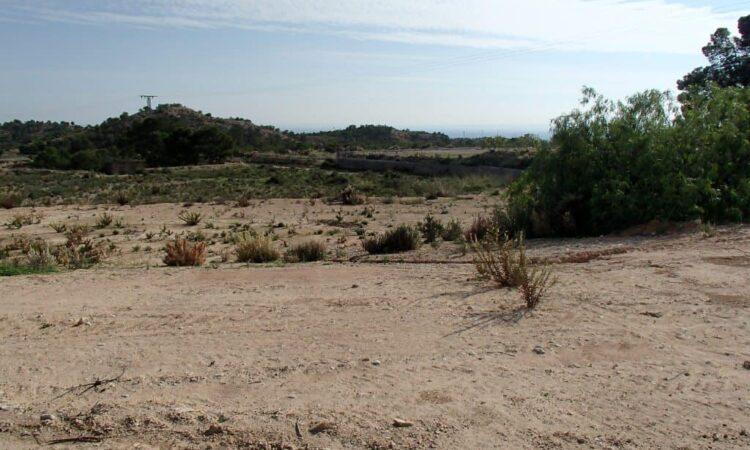 Resale Grondstuk Te koop in Crevillent in Spanje, gelegen aan de Costa Blanca-Zuid