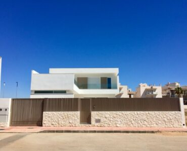 Nieuwbouw Villa Te koop in La Manga Del Mar Menor in Spanje, gelegen aan de Costa Cálida